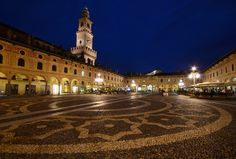 Vigevano piazza palazzo Bella Italia, Palazzo, The Good Place, Louvre, Amazing Places, Squares, Trips, Travel, Viajes