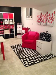 One and Wonder: My Thirty-One Gifts craft room/office makeover!