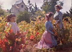 Madeleine, Suzanne et Andrée à travers les vignes en 1908  Plaque Autochrome Lumière