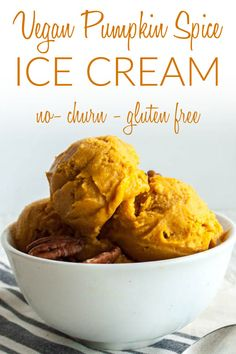 Vegan Pumpkin Spice Ice Cream (gluten free) - This no-churn ice cream is sweet and rich. It is a great alternative to pie for the holidays! Vegan Christmas, Vegan Thanksgiving, Christmas Recipes, Crockpot Recipes, Vegan Recipes, Snack Recipes, Vegan Pumpkin, Pumpkin Spice, Gluten Free Ice Cream