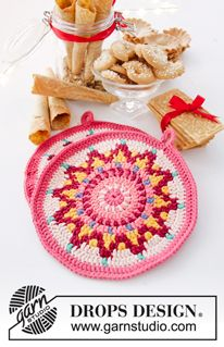 Baking Party - Crocheted pot holders in DROPS Paris. The piece is worked in the round in a circle and with coloured pattern. - Free pattern by DROPS Design Mandala Au Crochet, Tapestry Crochet, Crochet Doilies, Crochet Yarn, Free Crochet, Drops Design, Crochet Potholder Patterns, Knitting Patterns Free, Free Knitting