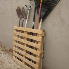 DIY furniture projects from whole pallets - decoration ideas 20 .- DIY Möbel Projekte aus ganzen Paletten – Dekoration ideen 2018 DIY furniture projects from whole pallets # pallet furniture # pallet furniture silver - Diy Furniture Projects, Pallet Furniture, Wood Projects, Upcycled Furniture, Garden Furniture, Furniture Design, Furniture Redo, Furniture Storage, Woodworking Projects