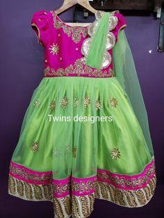 Dresses Kids Girl, Kids Outfits, Kids Frocks Design, Frock Design, Gold Jewellery Design, Embroidered Blouse, Baby Design, Kids Wear, Kids Girls