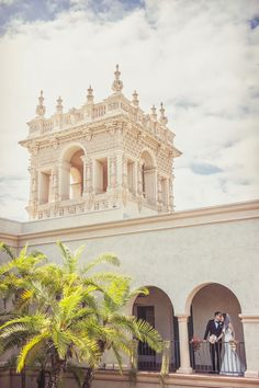 The Prado at Balboa Park in San Diego, Ca is a historic and elegant wedding venue. We love photographing weddings in Balboa Park. By www.hollyireland.com