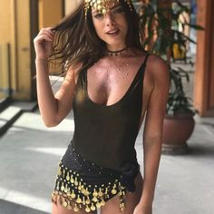 Beautiful Gypsy costumes that will bewitch your crush this Halloween Halloween Rave Halloween Costumes, Halloween Outfits, Halloween Halloween, Gypsy Costume, Circus Costume, Festival Looks, Belly Dancer Costumes, Carnival Outfits, Music Festival Outfits