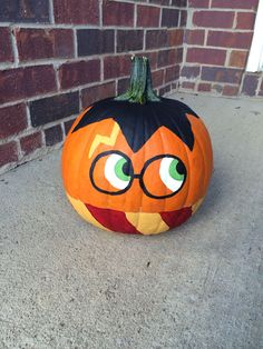 Brilliant Pumpkin Painting Ideas For Amazing Halloween Related posts:Get instant access to over workouts on Beachbody on Demand!Pots with a Personal Touch: Pumpkin Decorating Ideas That Are Super Festive, But Still Tasteful October 31 Halloween, Halloween Tags, Holidays Halloween, Halloween Crafts, Halloween Painting, Halloween Pumkin Ideas, Fun Pumpkin Ideas, Scary Halloween, Unique Pumpkin Carving Ideas
