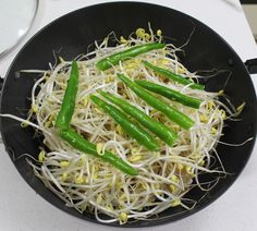 K Food, Korean Food, Seaweed Salad, Japchae, Asparagus, Food And Drink, Soup, Cooking Recipes, Baking