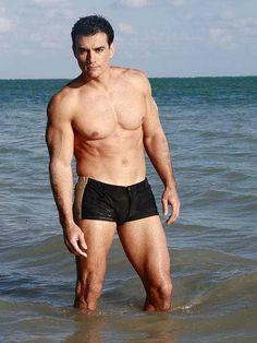 David Zepeda à la plage