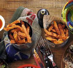 Sötpotatis pommes frites Made Goods, Chicken Wings, Carrots, Potatoes, Meat, Vegetables, Recipes, Food, Former