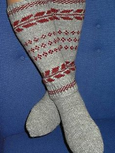 yarn Translated in English Knitting Socks, Knit Socks, Boot Cuffs, Leg Warmers, Bunt, Mittens, Knit Crochet, Slippers, Wool