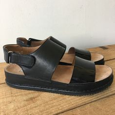 cbf0bc8c90446f UK SIZE 6 WOMENS CLARKS BLACK LEATHER AND PATENT STRAPPY SANDALS FLATS   Clarks  StrappyFlatSandals