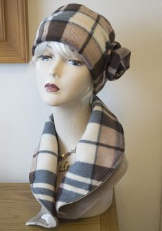 Ladies Hand made Hat & Neck Warmer set