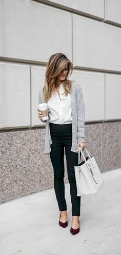 Best Business Casual Work Outfit for Women with Cardigans 18 - Work Outfits Women Stylish Work Outfits, Fall Outfits For Work, Work Outfits Women Winter Office Style, Classic Outfits For Women, Womens Fashion For Work, Trendy Fashion, Working Woman Fashion, Fall Work Fashion, Ladies Fashion