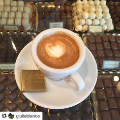 #Repost @giuliablance with @repostapp  #Dublino #coffee #coffeetime #coffeeshop #coffeegram #coffeeholic #coffeeart #coffeecup #coffeelove #coffeeaddict #cup #cupinframe #dublin #chocolate #chocolatelover #dublin #butlerschocolate #caffè #caffèmacchiato #cioccolato