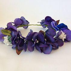 TOPANGA HEADPIECES  Casi lista!!!  #nofilter #bridecrown #handmade #hechoamano #silk #pearls #wedding #topangaheadpieces #seda #coronadeflores