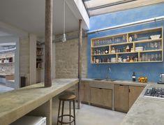 Mobilier de cuisine sur mesure béton et bois