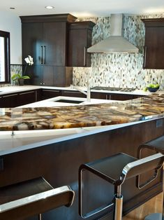 High End Kitchen Countertops Lovely 10 High End Kitchen Countertop Choices Cool Kitchens, High End Kitchens, Kitchen Decor, Contemporary Kitchen, Caesarstone Kitchen, Countertop Choices, Popular Kitchens, Diy Countertops, Kitchen Design