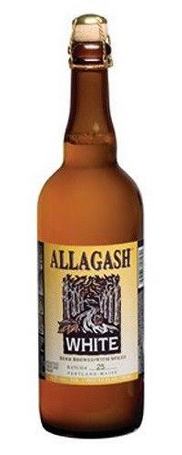 Cerveja Allagash White, estilo Witbier, produzida por Allagash Brewing Company, Estados Unidos. 5.2% ABV de álcool.