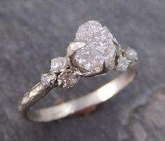 Materia prima diamante oro blanco anillo de bodas por byAngeline
