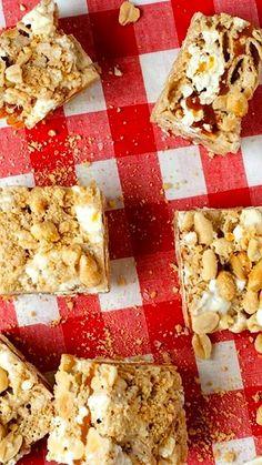 No-Bake Salted Caramel Stuffed #Chex Treats!