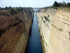Greece. El canal de Korinthos, una obra d'enginyeria enorme entre els mars Egeu i Jònic.