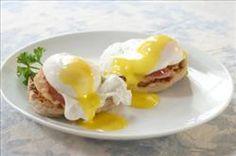 Classic Eggs Benedict #recipes #egglandsbest #breakfast