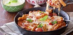 """6 minutes to skinny - Mozzarella and Penne Pasta Bake - Watch this Unusual Presentation for the Amazing to Skinny"""" Secret of a California Working Mom Tomato Pasta Bake, Baked Penne Pasta, Chicken Parmesan Pasta, Chicken Pasta Bake, Baked Pasta Recipes, Pot Pasta, Pasta Dishes, Cooking Recipes, Tomato Pesto"""