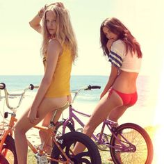 Hot Girls on Bicycles-3
