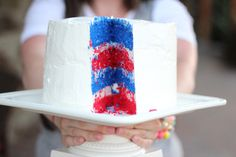 I think I could transform this into a cupcake, maybe w/a zebra effect, for the 4th!