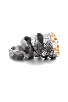Faceted Damascus comes with various inlays; gold, platinum, stainless steel and zirconium. Damascus Ring, Damascus Steel, Institute Of Design, Gold Platinum, Petra, White Gold, Wedding Rings, Rose Gold, Stainless Steel