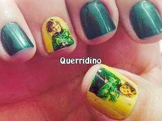 Mãos de dona Regina - unhas decoradas, pintadas de verde e amarelo, adesivos David Luiz http://querridino.blogspot.com.br/2014/07/copa-2014-imagens-david-luiz.html