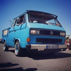 #VW #T3 #crewcab # #Bulli #Turbodiesel #vanagon #vwbus #bus #vwbulli #kombi #vwkombi #instavw #vwallday #vwforlife #vwlovers #vintage #Oldtimer #fehmarn #midsummerfestival #bullifestival #bullitreffen Vw T3 Tuning, Campervan, Cars And Motorcycles, Punch, Volkswagen, Diesel, Garage, Vehicles, Vintage