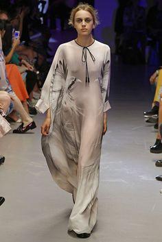 Giles RTW Spring 2015 - Slideshow - Runway, Fashion Week, Fashion Shows, Reviews and Fashion Images - WWD.com