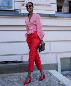 "340 Gostos, 3 Comentários - Chiara Marina Grioni (@chiaraobscura) no Instagram: ""@mbfw #berlin #berlinfashionweek #mercedesbenzfashionweek #bfw #SS18 #fashionweek #mode #moda…"""