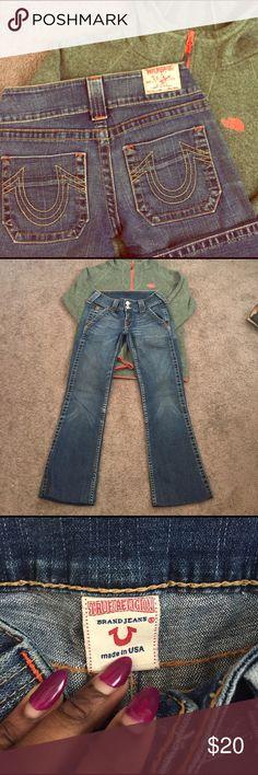 True Religion Jeans Boot Cut. Medium wash. 99% Cotton 1% Spandex. Inside of back pocket ripping. Worn. True Religion Jeans Boot Cut