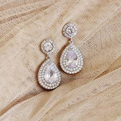 Bridal Earrings, Teardrop Crystal Wedding Earrings #weddingjewelry #bridalearrings #bridaljewelry #dropearrings #weddingearrings #teardropearrings #dangleearrings #bridalaccessories #haloearrings #roundearrings #crystalearrings #cubiczirconia #silver