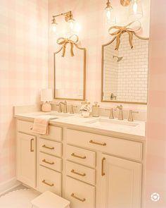 Bathroom Inspiration girls bathroom inspiration Laminate Flooring Installation Guidelines The Beauty Boutique Interior, Home Interior, Bathroom Interior, Nordic Interior, Interior Plants, Interior Ideas, Interior Inspiration, Little Girl Bathrooms, Bathroom Kids