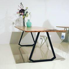 Studio H&K | Design Eettafel Topple Voor Goossens Wonen & Slapen by www.studio-henk.nl