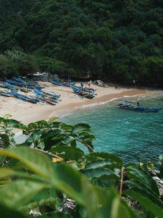 Gesing beach , GunungKidul , Yogyakarta , Indonesia #indonesia #java #beach #sky #beautiful #nature #blue