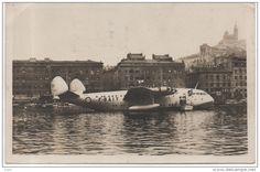 MARSEILLE - Hydravion Géant Dans Le Vieux Port (cpsm)
