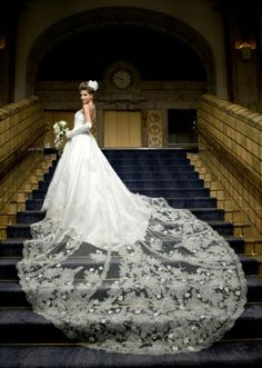 Breathtaking - brides and lace. Dear Lord, if you're listening, I would LOVE more breathtaking staircases for 2013