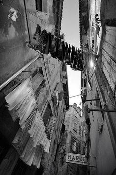 dont know where this is but it captures the laundry lines!