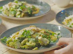 Benjamins kyckling i curry med äpple Turkey Recipes, Sprouts, Broccoli, Apple, Chicken, Vegetables, Food, Asia, Apple Fruit