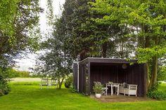 Keltainen talo rannalla: Tanskalaisia koteja