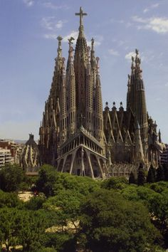 Templo de la Sagrada Familia, Barcelona, Spain    http://www.100placestovisit.com/barcelona-spain-europe/       #Barcelona #Spain #travel #seebeforeyoudie #bucketlist