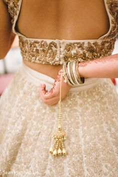 Marvelous Indian bride jewelry. https://www.maharaniweddings.com/gallery/photo/153254