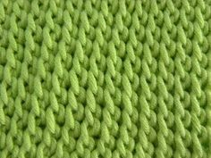 Tunisian Crochet - Basket pattern (IN GERMAN - If you are familiar with Tunisian Crochet you can watch this video to learn this stitch... The video is very good... Deb)