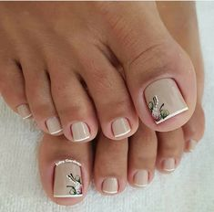 23 that will make you bright summer nails designs glitter fun 030 Toe Nail Color, Toe Nail Art, Nail Colors, French Pedicure, Manicure E Pedicure, Pedicure Ideas, Bright Summer Nails, Pretty Toe Nails, Feet Nails