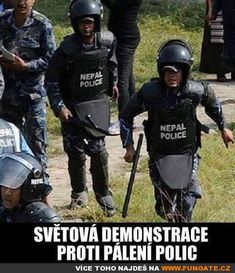Světová demonstrace proti pálení opic Great Memes, Good Jokes, Funny Jokes, Hilarious, Words Can Hurt, Police Humor, Jokes Quotes, Funny Moments, I Laughed