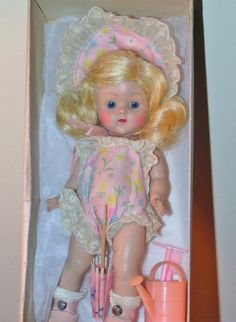 "STRUNG VOGUE GINNY DOLL 1952 ""JULIE"" nr. MINT IN ORIG CORRECT MKD BOX w/ACCESS"